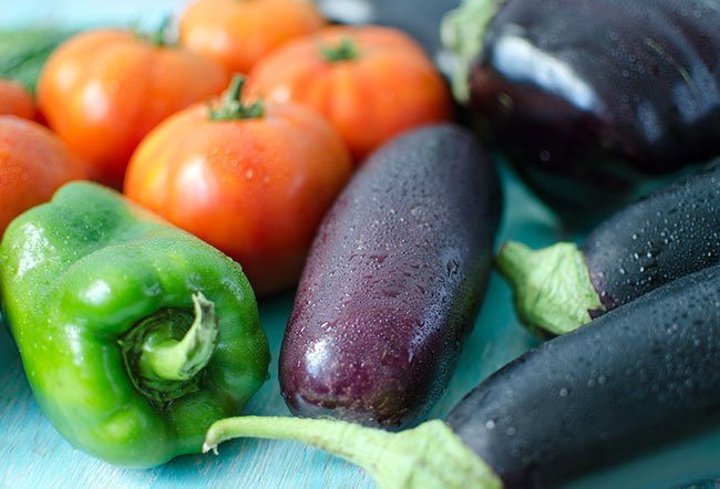 """Nightshade vegetables are a group of vegetables that belong to the family """"Solanaceae."""" Tomatoes, potatoes, eggplant and peppers are nightshade vegetables. Nightshades reportedly worsen arthritis and other health conditions, although there is no solid scientific evidence to validate the claim."""