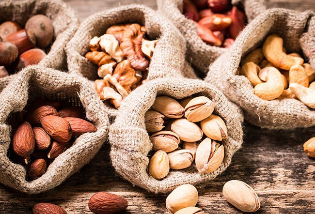 is it OK to eat nuts every day